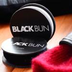 Blackbun in beige und black für Volumenlocken