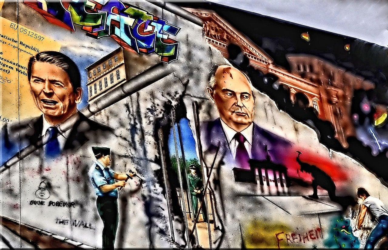berlinerumschau-tag-der-deutschen-einheit-ronald-reagan-berlin-brandenburger-tor-graffiti
