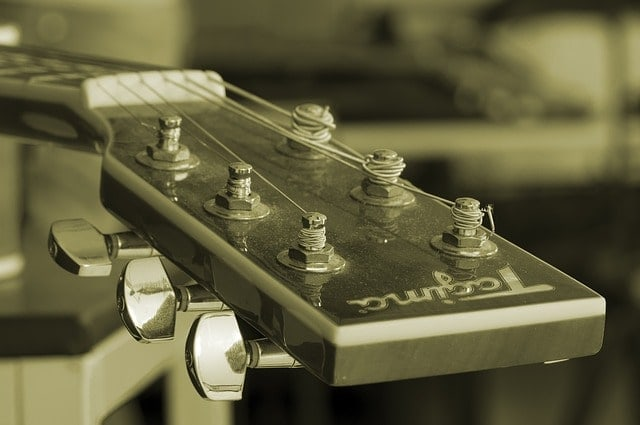 berliner-umschau-blog-deep-purple-smoke-on-the-water-gitarre