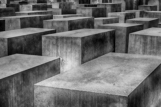 Das Holocaust Mahnmal als Alternative zum geschlossenen Brandenburger Tor Museum