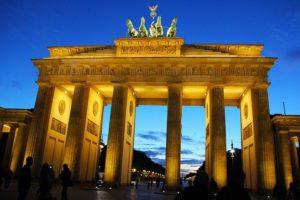 Das Brandenburger Tor ist das Wahreichen Berlins und die beliebteste Sehenswürdigkeit Deutschlands