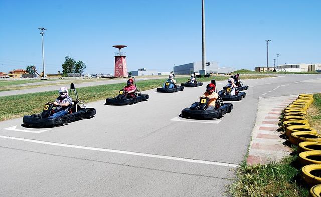 Outdoor Kart ist eine spannende Freizeitbeschäftigung sowohl für Kinder als auch für Erwachsene